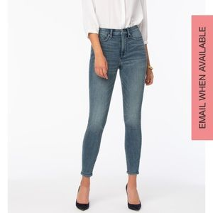NYDJ Ami Skinny Ankle Jeans. Size 12 in Monet Blue